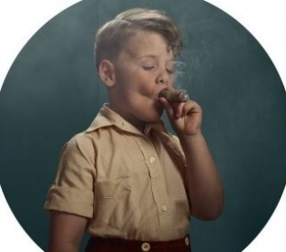 Зачем человек курит
