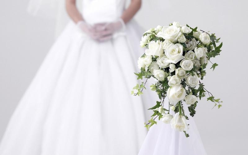 белый свадебный наряд